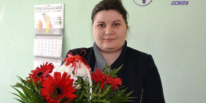 Flori pentru Inga TUTUNARU din oraşul Ocniţa!