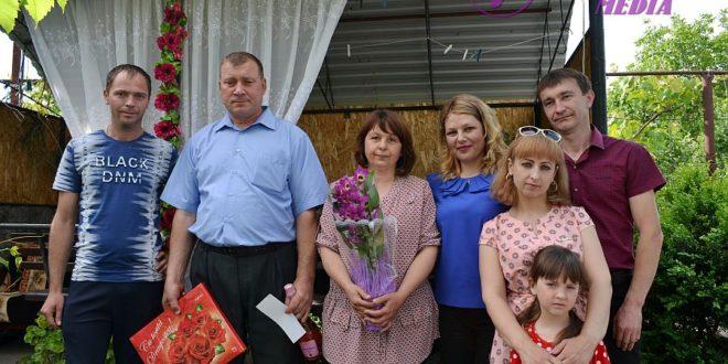 Flori pentru Ion și Ala COJOCARI din Paustova, raionul Ocnița!