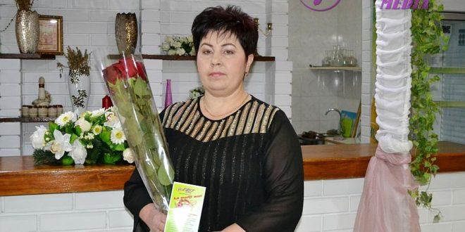 Flori pentru Valentina ALAIBA din comuna Ocnița!