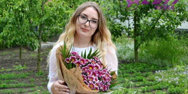 Flori pentru Diana Lesnic, cu ocazia zilei de naștere!