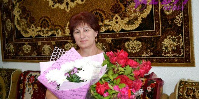 Flori pentru Lilia Vovcu, cu ocazia zilei de naștere!