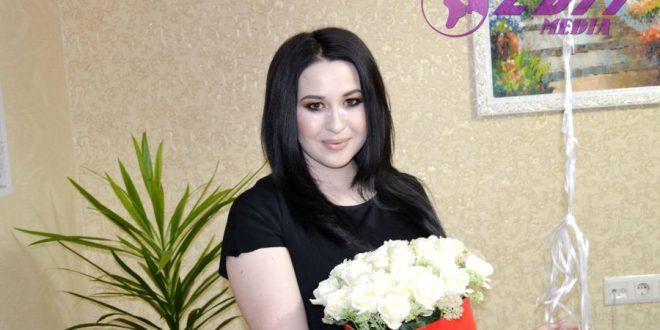 Flori pentru Alina Corsan, cu ocazia zilei de naștere!